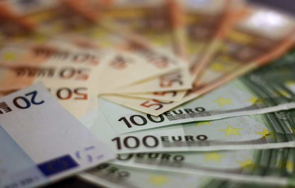 El Tesoro Público consigue este martes 2.452,39 millones de euros